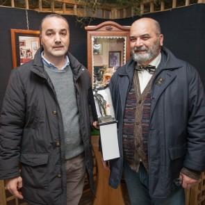 Natale 2017  Giovanni Teberino riceve dal consigliere delegato alla Cultura della Regione Molise, Nico IOFFREDI l'Ercole Sannita  Ph. Roberto de Rensis
